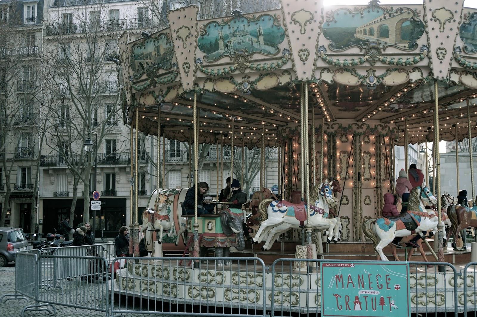 サン=シュルピス広場(Place Saint Sulpice)