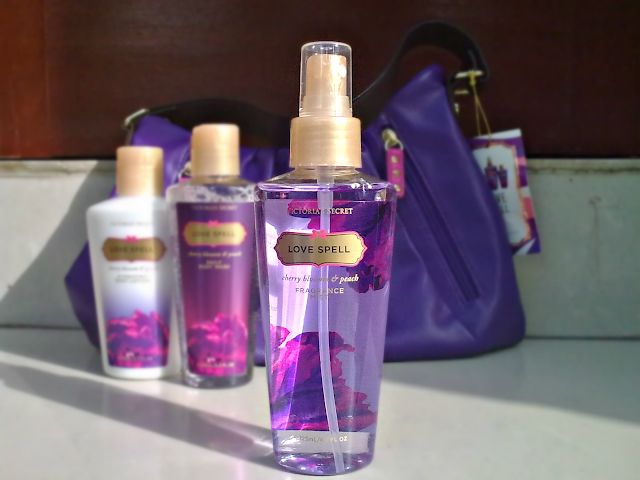 Victoria's Secret Love Spell Gift Set - Body Mist