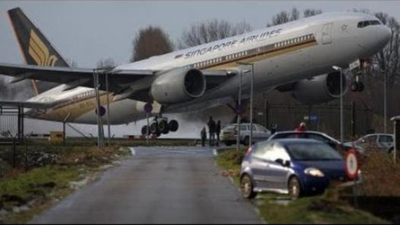 Airplane Accidents Today - Hot News Collections