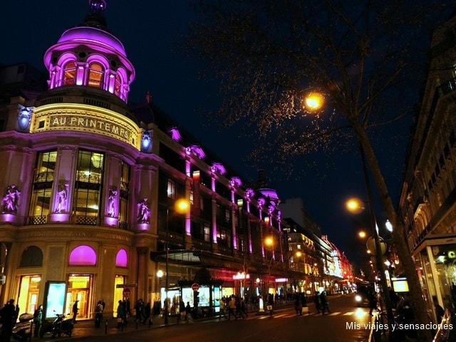 París de noche, Grands Boulevards almacenes Printemps