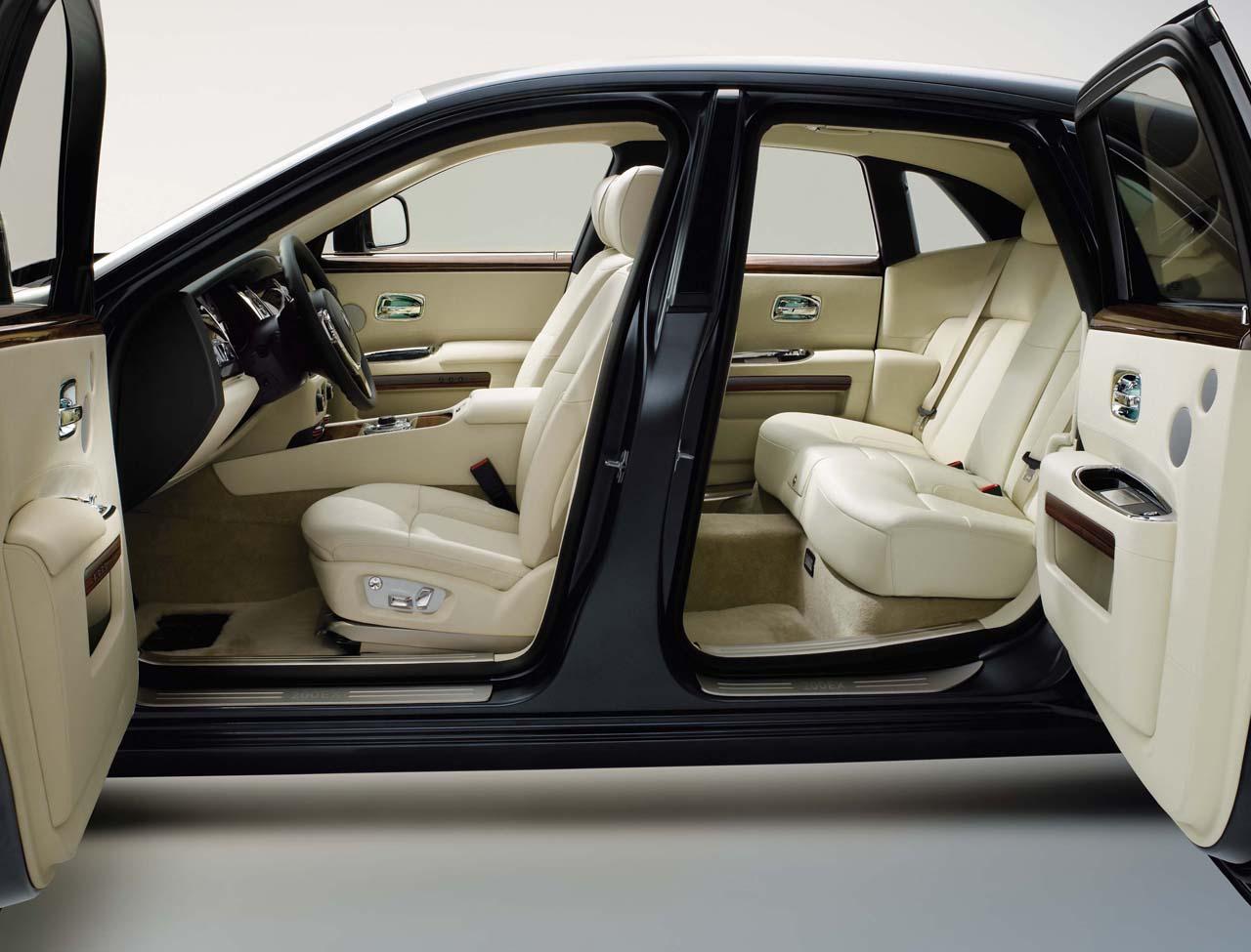 Cars Showroom Rolls Royce