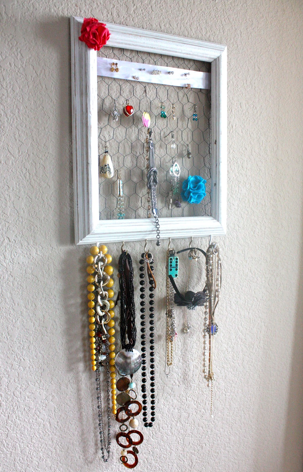 A Musing Mamma: Photo Frame Jewelry Holder