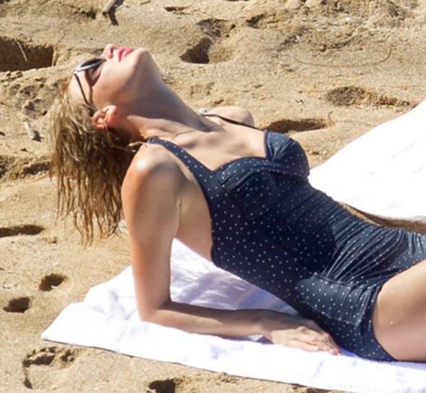 Taylor Swift retro raje de baño tipo de cuerpo