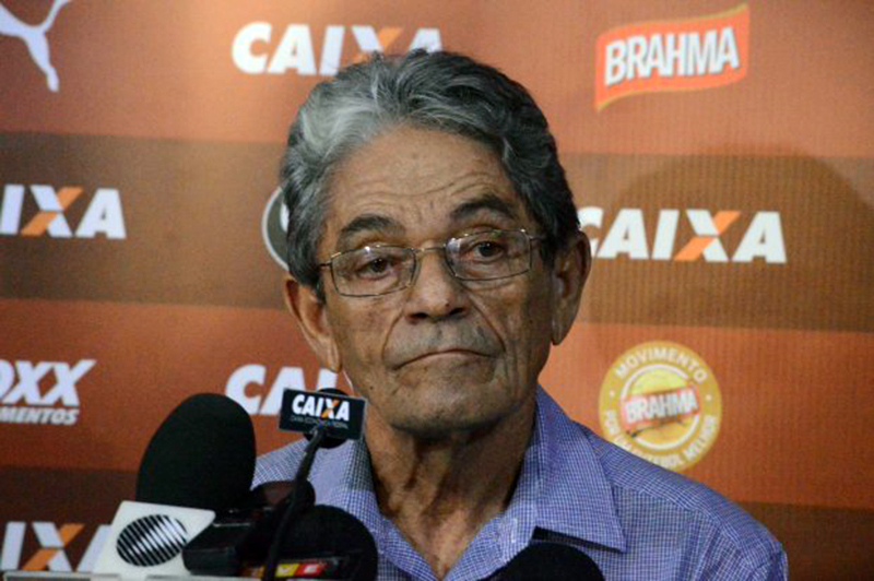 Ex-presidente, Raimundo Viana, tenta adiar eleição para presidente no Vitória 1