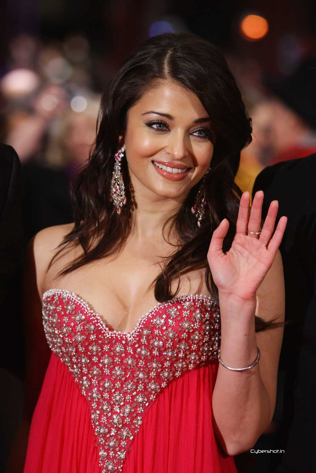 Aishwarya Rai Amitabh Bachan Hot Video  Celebrity Big -5011