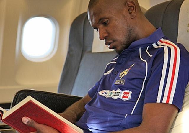 4 Pemain Sepakbola Dunia Ini Senantiasa Membaca Al Qur'an Sebelum Bertanding