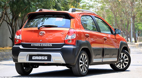 2015 Toyota Etios Cross Performances