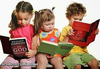 Niños estudiando lecciones ateas