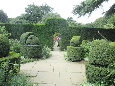 White garden topiary Hidcote Manor Green Fingered Blog