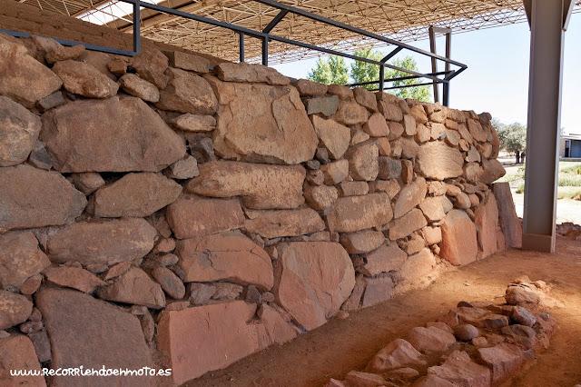 consistencia muros Cancho Roano