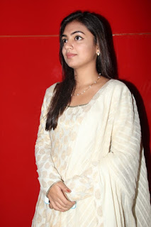 Nazriya Nazim Latest Smiling Face Close Up Pictures (8)