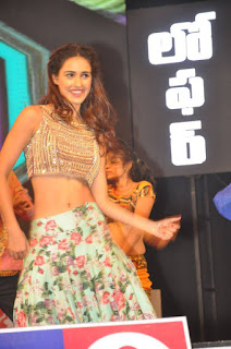 Disha Patani in lovely dance performance on stage
