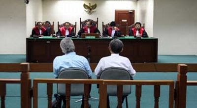 Peranan Lembaga-lembaga Peradilan