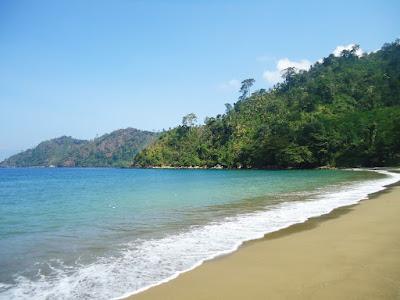 Objek Wisata Pantai Sipelot Surga Yang Masih Perawan