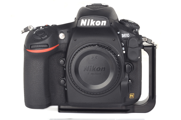 Sunwayfoto PNL-D810R on Nikon D810 front view