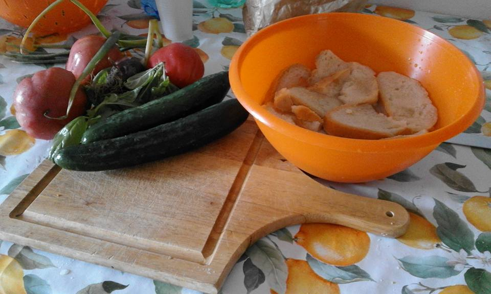 La cucina di sara e oltre: ricetta di famiglia: la panzanella una