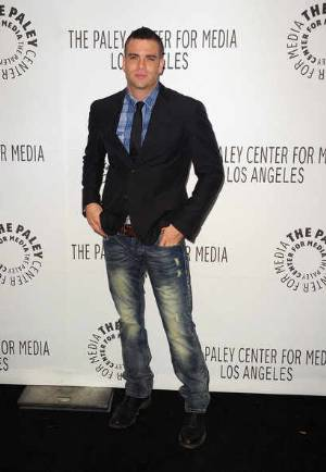 B&B FASHION HOUSE: HOW TO WEAR A SUIT JACKET WITH JEANS