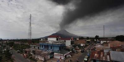 Bencana alam Gunung Meletus - berbagaireviews.com