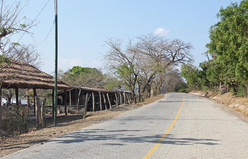 astillero paved road