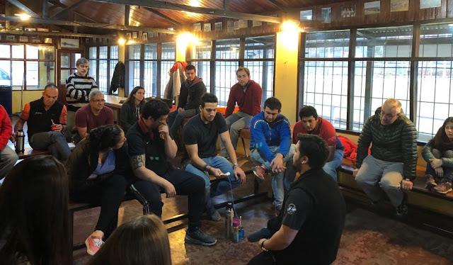 Defensa Civil Municipal dio un curso de RCP básico en Ushuaia Rugby Club