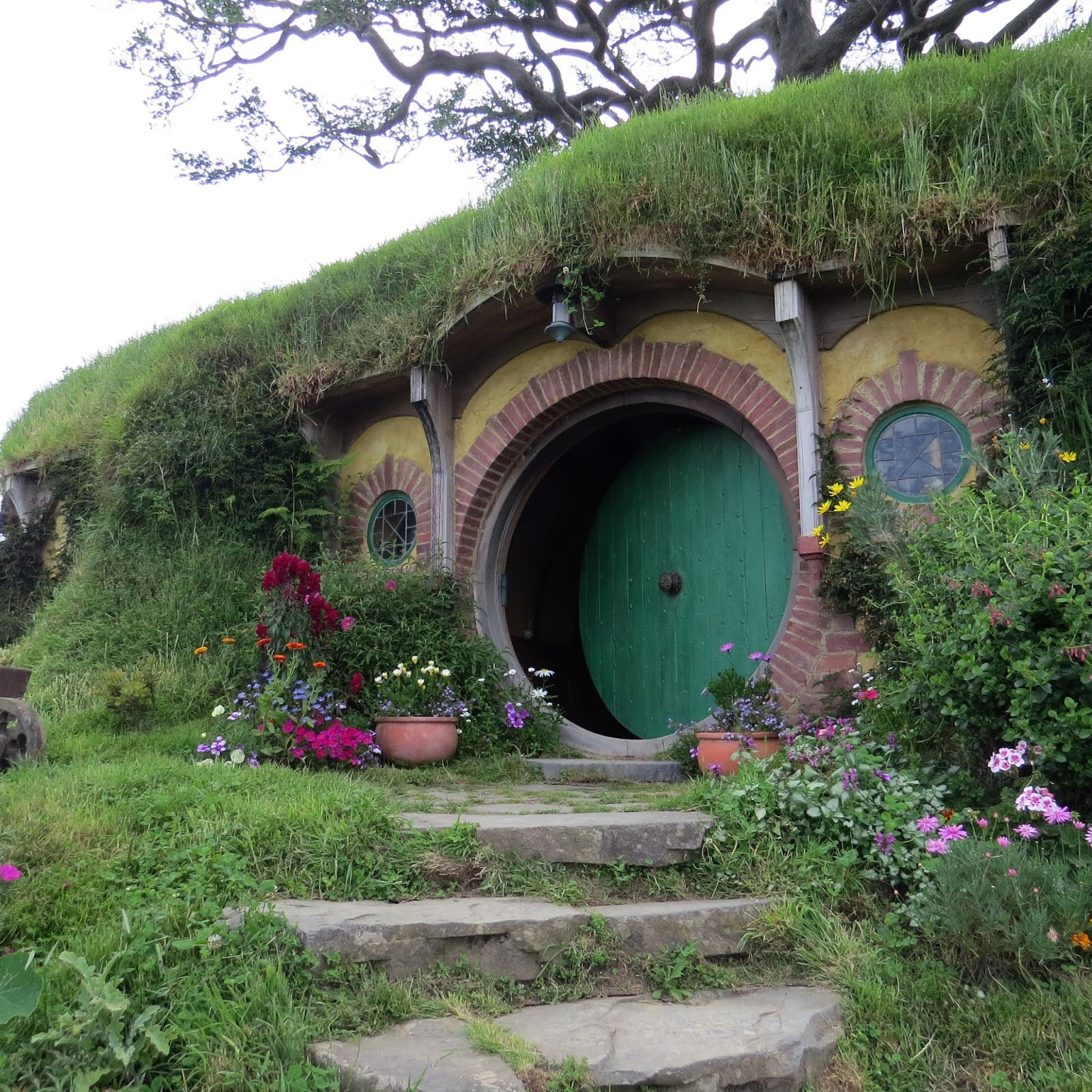 """Home Pictures: ~Cottage By The Sea ~: Literary Pearls: """"The Hobbit"""
