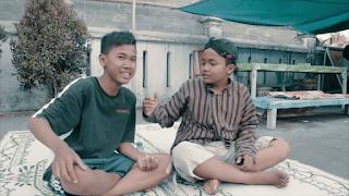 Lirik Lagu Dukun Kagol (Dan Artinya) - Guyon Waton / Klenik Genk
