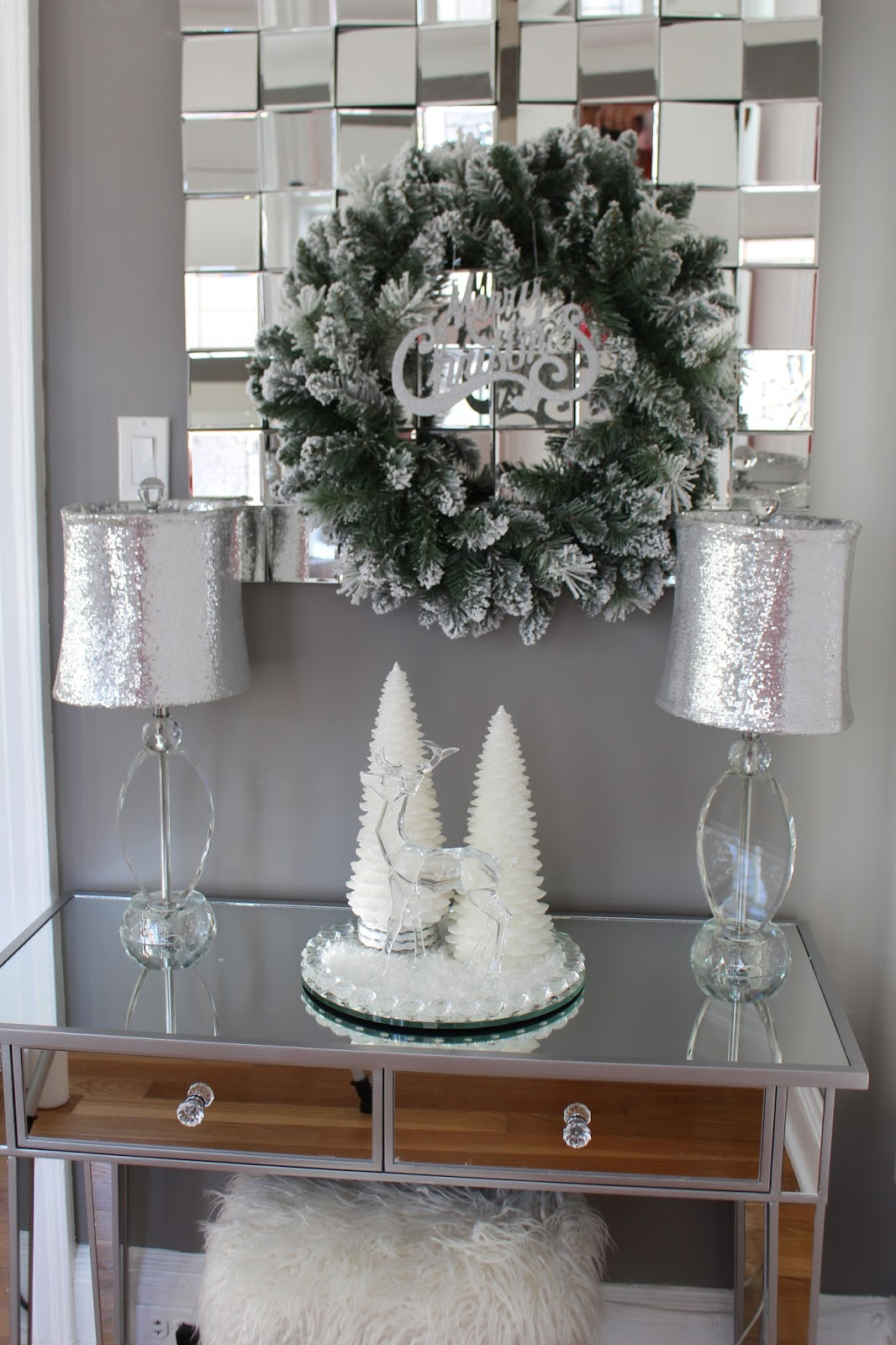 2017 christmas decorating ideas entryway - 2017 Christmas Decorating Ideas