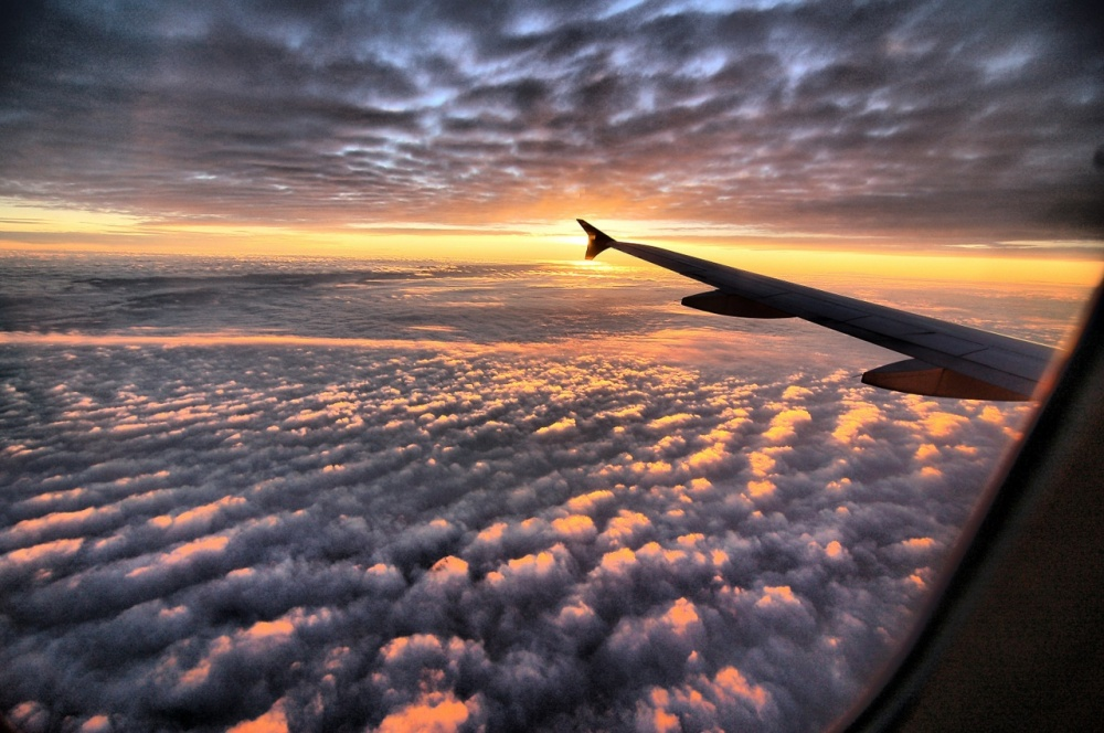 20 reasons to sit on the plane next to the window
