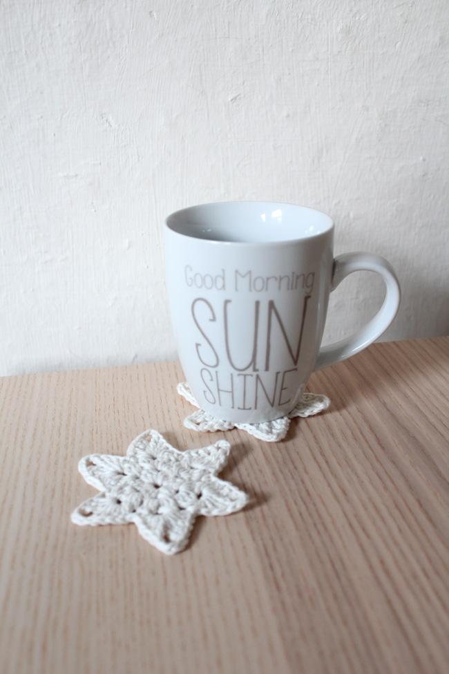 seidenfeins blog vom sch nen landleben 2 h kelsterne als coaster mit anleitung crochet star. Black Bedroom Furniture Sets. Home Design Ideas