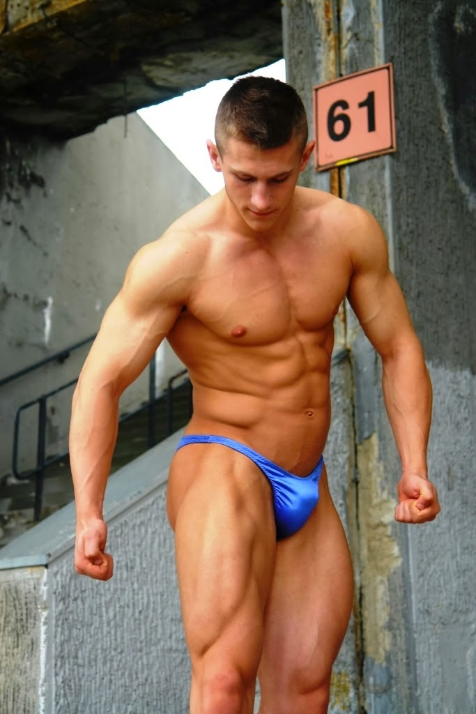 sexed-hot-naked-men-bodybuilder