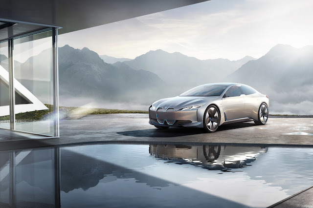 BMW i Vision Dynamics is a future electric Model S between the BMW i3 and BMW i8