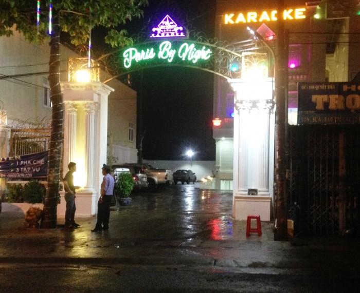 Gia Lai: Truy tìm nhóm thanh niên đâm chết bạn khi hát Karaoke