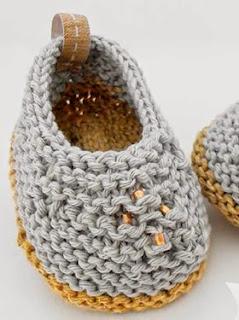 http://www.katia.com/blog/es/craft-lovers-patron-punto-patucos-camperitas-al-abrigo/