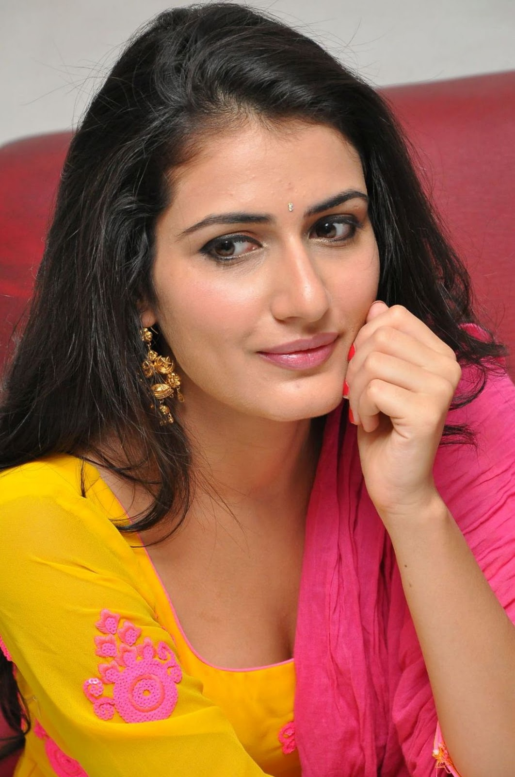 actress sana telugu heroine south film indian acts mainly appeared advertisements several career films started she