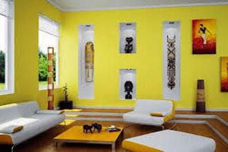 warna cat ruang tamu 2 warna kuning dan putih