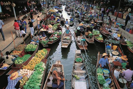 Melawat Pasar Terapung Damnoen Saduak dlm rencana perjalanan Bangkok drp Sahajidah Hai-O Marketing