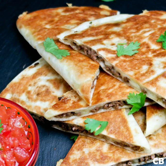 Quesadillas met Mexicaans gehakt en versgemaakte salsa