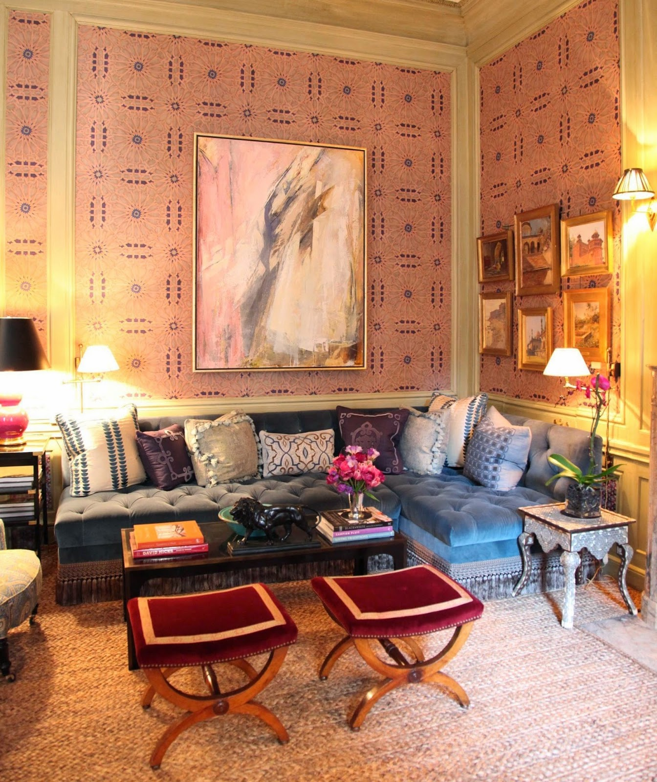 Habitually Chic Pleasure In Arranging: Sitting Room Folly