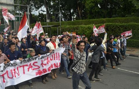 Afi Serang Mahasiswa dan Nyinyir PNS Dapat Gaji dari Pecel