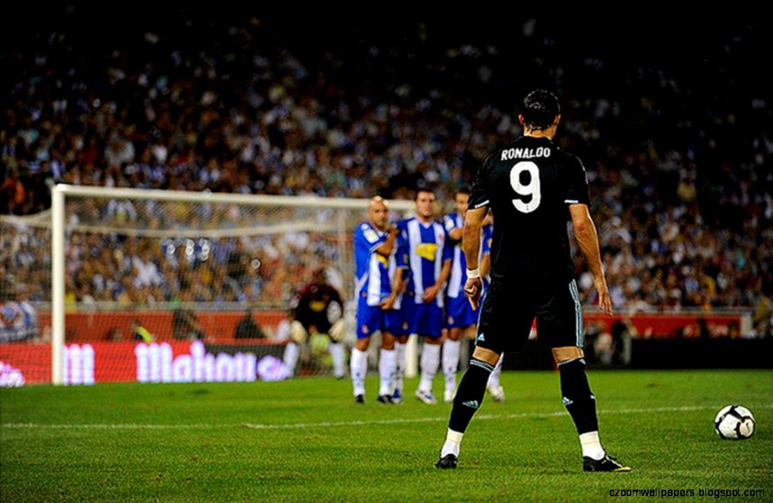 Cristiano Ronaldo Free Kick Zoom Wallpapers