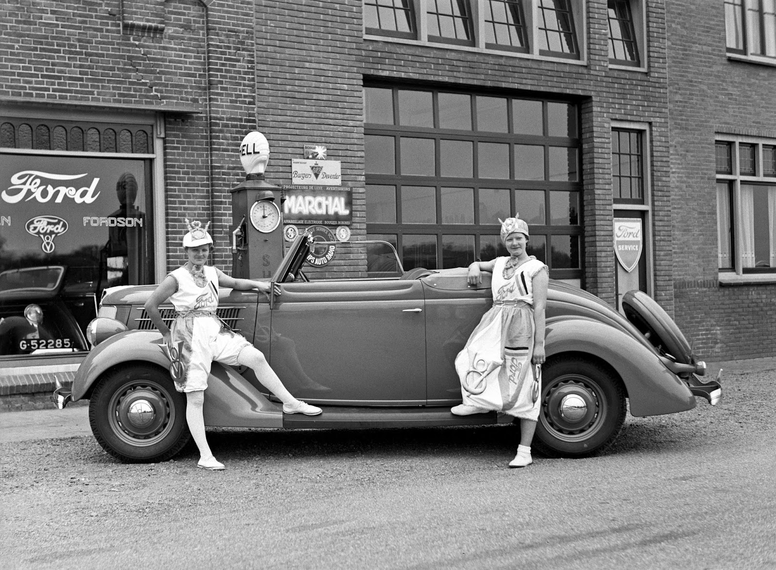 History in photos vintage alkmaar for Garage ford nice
