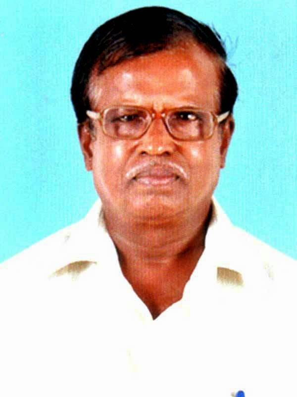Theni Seerudayan (தேனி சீருடையான்) Short Story Thaguthi (தகுதி) Synopsis Written by Ramachandra Vaidyanath. Book Day, Bharathi Puthakalayam