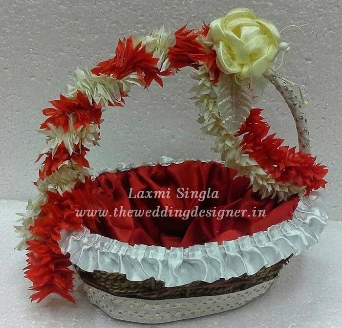 Pics For > Fruit Basket Decoration Idea