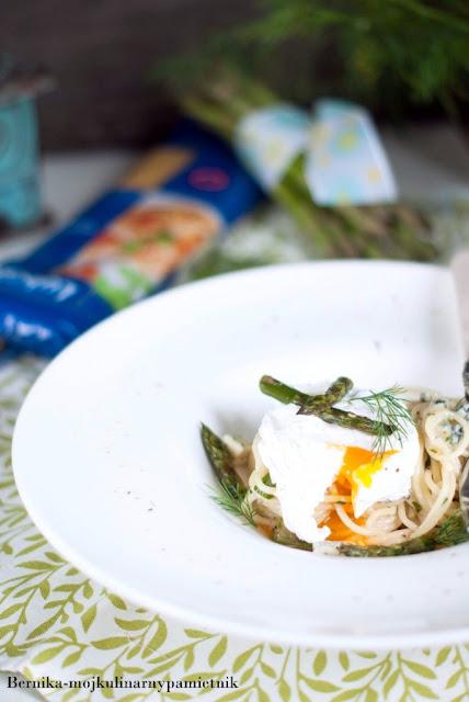 makaron, lubella, szparagi, lazur, jajko w koszulce, obiad, bernika, kulinarny pamietnik