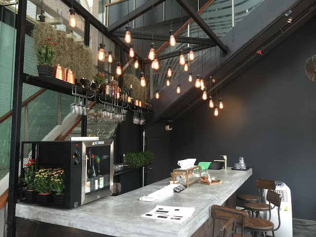Best bar in Singapore - Montana brew bar