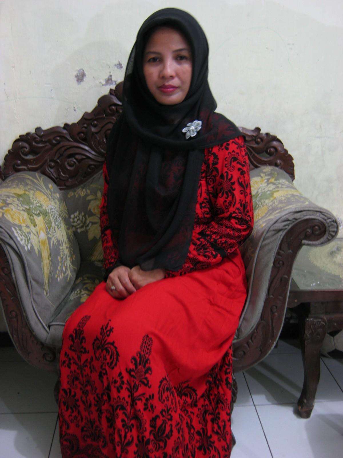 Jilbabku Sahabat Sejatiku Gamis Batik Merahku