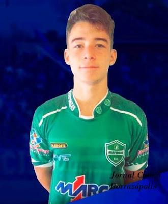 Jovem de Borrazópolis  jogará pela equipe do Iraty