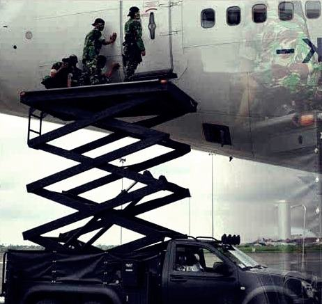 Gambar Arlit 03 (Army Lift Truck 8M6x4) Milik Satuan Kopassus