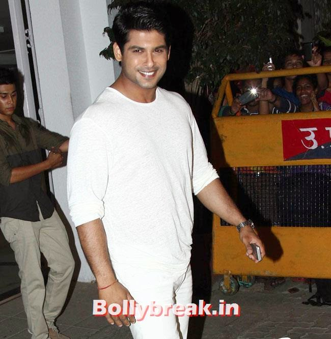 Siddharth Shukla, Karan Johar Birthday Party Pics 2014