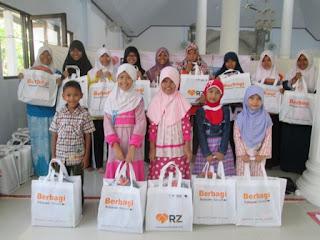 Keceriaan 22 Anak Yatim Dhuafa Penerima Kado Lebaran Yatim (KLY)